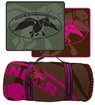 Duck Commander Polar Fleece Blanket, Brown/Pink logo